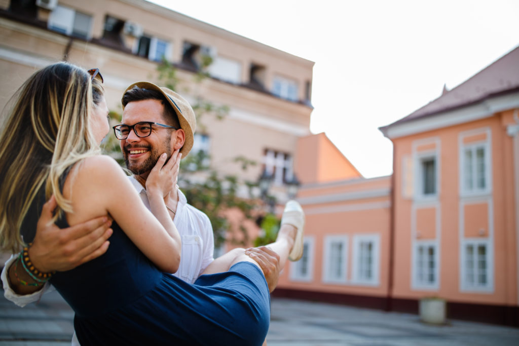 Love and Relationship Tips: How to Stay Happy and Healthy in a Relationship
